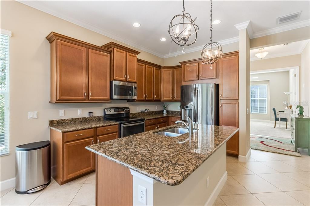 Condo for sale at 339 Sapphire Lake Dr #101, Bradenton, FL 34209 - MLS Number is A4419536