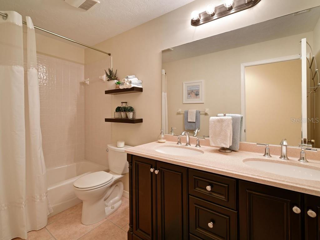 2nd full bathroom all updated and pretty. - Single Family Home for sale at 9902 Braden Run, Bradenton, FL 34202 - MLS Number is A4419792