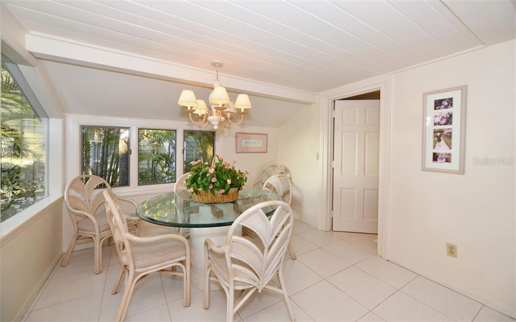 Single Family Home for sale at 4049 Shell Rd, Sarasota, FL 34242 - MLS Number is A4426853