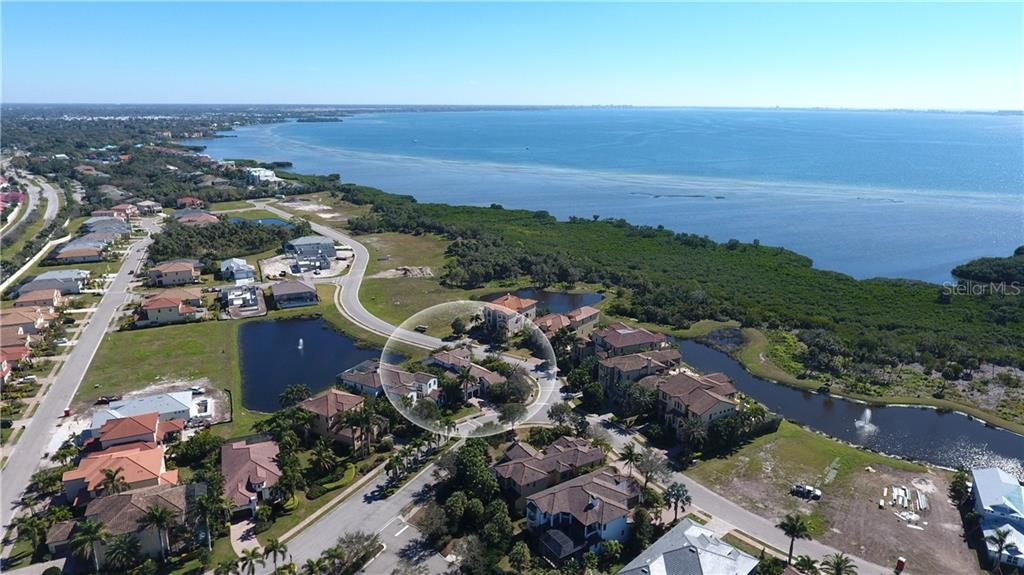Single Family Home for sale at 6219 Legends Blvd, Bradenton, FL 34210 - MLS Number is A4427157