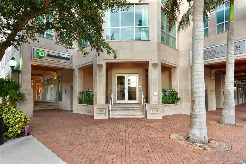 A seat for relaxation in Bayfront Park - Condo for sale at 1350 Main St #1300, Sarasota, FL 34236 - MLS Number is A4428136