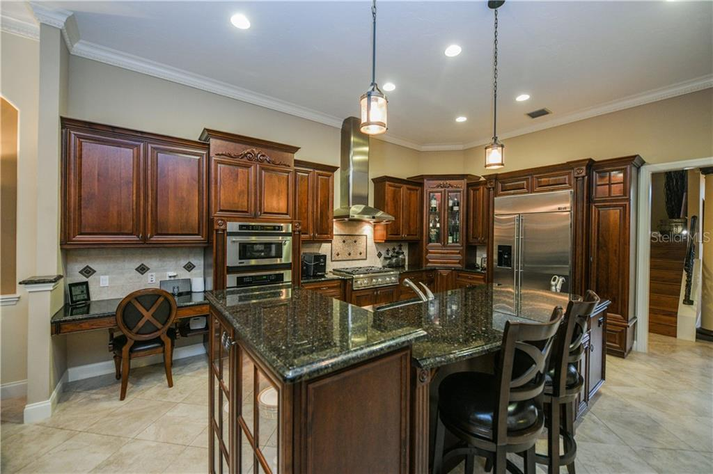 Single Family Home for sale at 8981 Rocky Lake Ct, Sarasota, FL 34238 - MLS Number is A4432484