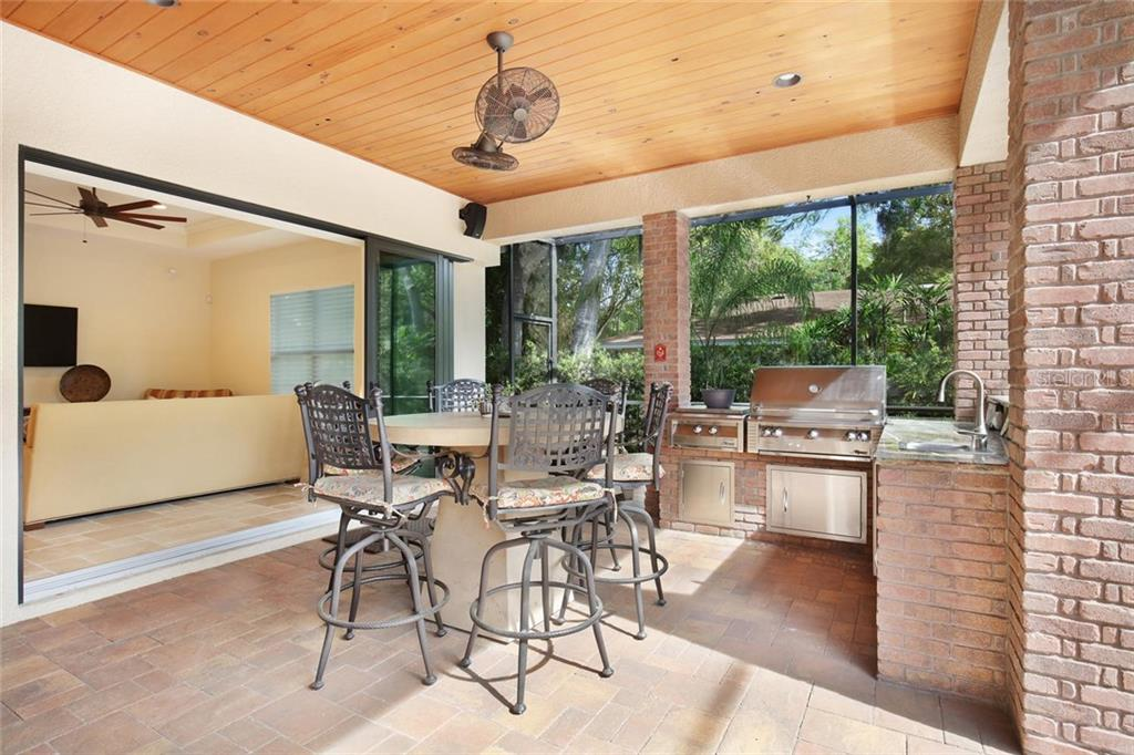 Single Family Home for sale at 1813 Boyce St, Sarasota, FL 34239 - MLS Number is A4433125