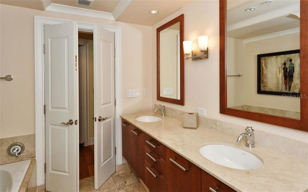 Master bath with double sinks - Condo for sale at 1350 Main St #1500, Sarasota, FL 34236 - MLS Number is A4433444