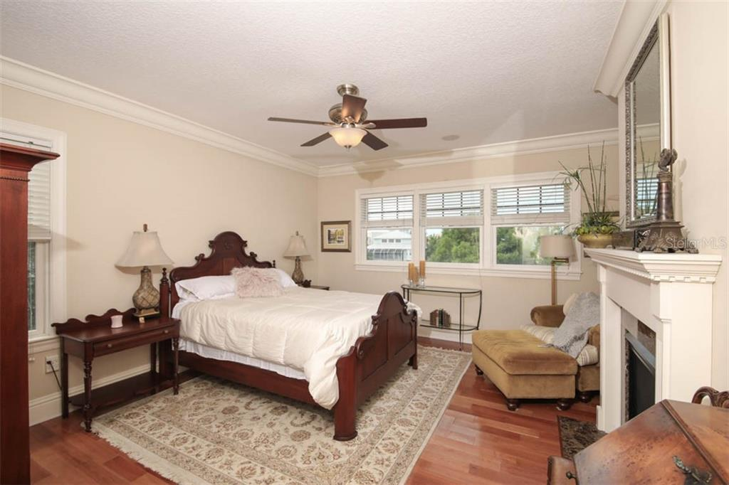 Spacious master bedroom. - Single Family Home for sale at 7153 Hawks Harbor Cir, Bradenton, FL 34207 - MLS Number is A4434661