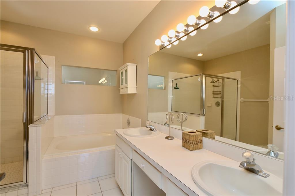Master bath - Single Family Home for sale at 5082 47th St W, Bradenton, FL 34210 - MLS Number is A4435806