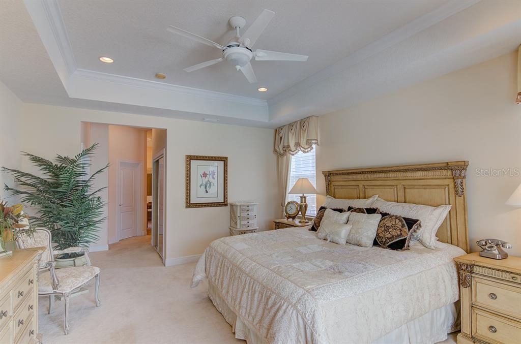 Master Shower - Single Family Home for sale at 811 Jungle Queen Way, Longboat Key, FL 34228 - MLS Number is A4438987