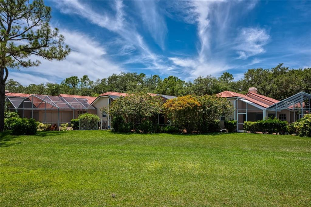 Single Family Home for sale at 4084 Lyndhurst Ct, Sarasota, FL 34235 - MLS Number is A4440281