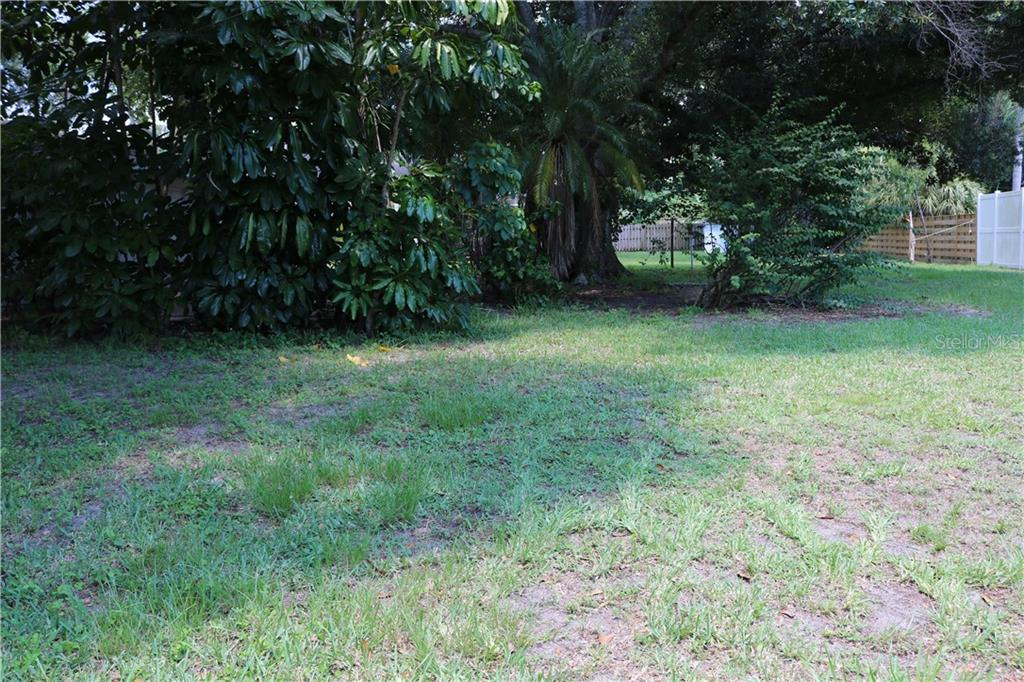 Plenty of room to play or garden - tropical oasis potential! - Single Family Home for sale at 2220 Pine Ter, Sarasota, FL 34231 - MLS Number is A4440562