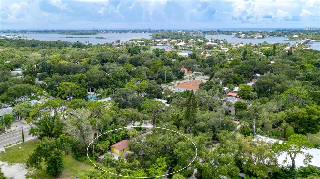 Single Family Home for sale at 1706 Wisconsin Ln, Sarasota, FL 34239 - MLS Number is A4443056