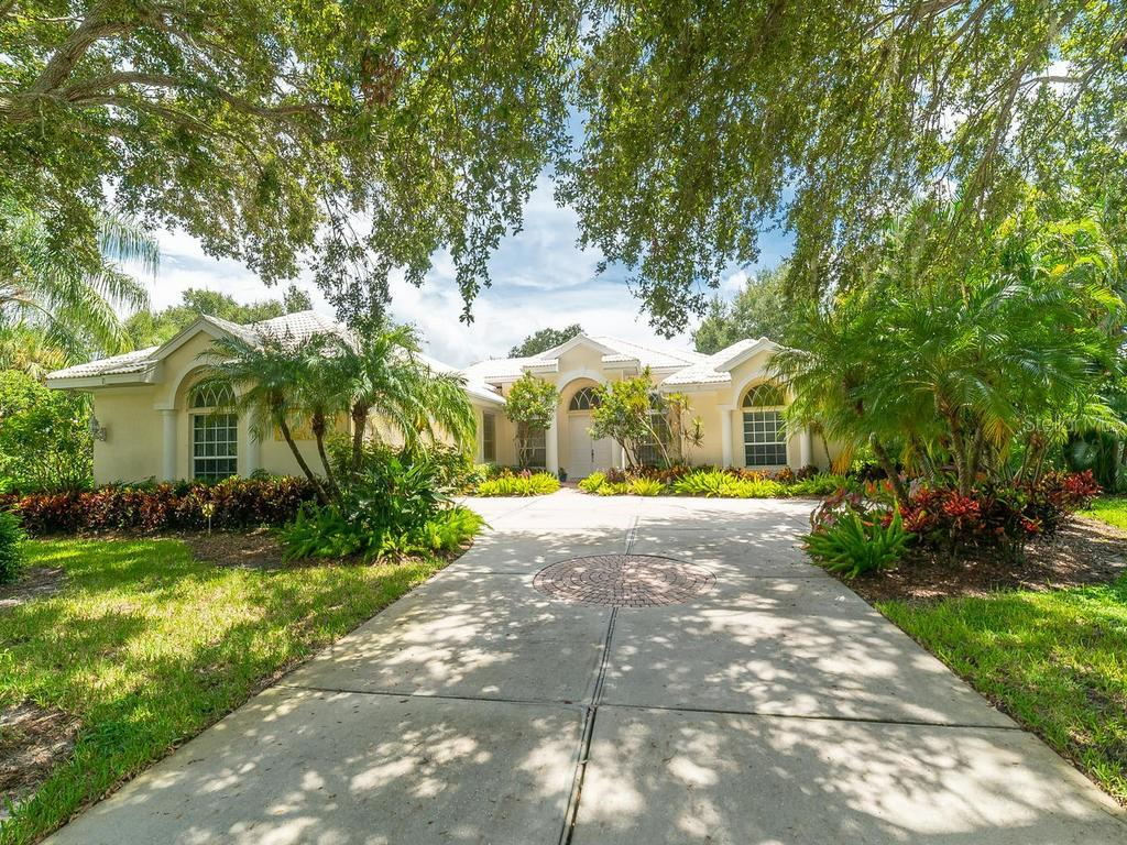 Single Family Home for sale at 1792 Pine Harrier Cir, Sarasota, FL 34231 - MLS Number is A4443155
