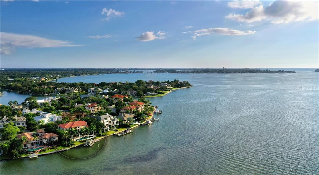 Single Family Home for sale at 1364 Harbor Dr, Sarasota, FL 34239 - MLS Number is A4450162