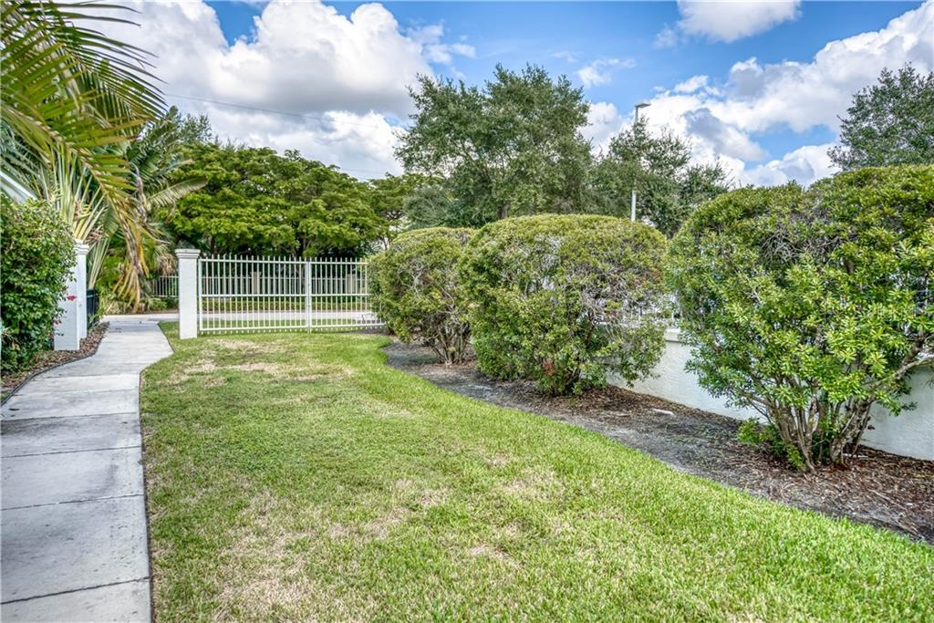 Single Family Home for sale at 1886 Prospect St, Sarasota, FL 34239 - MLS Number is A4450957