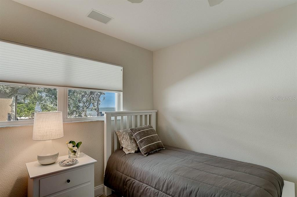 Second Bedroom with Bunkbeds - Single Family Home for sale at 867 N Shore Dr, Anna Maria, FL 34216 - MLS Number is A4454292