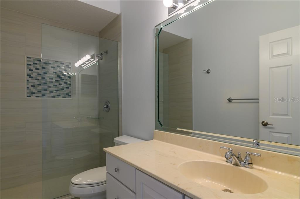 2nd bathroom - Villa for sale at 4560 Samoset Dr, Sarasota, FL 34241 - MLS Number is A4455487