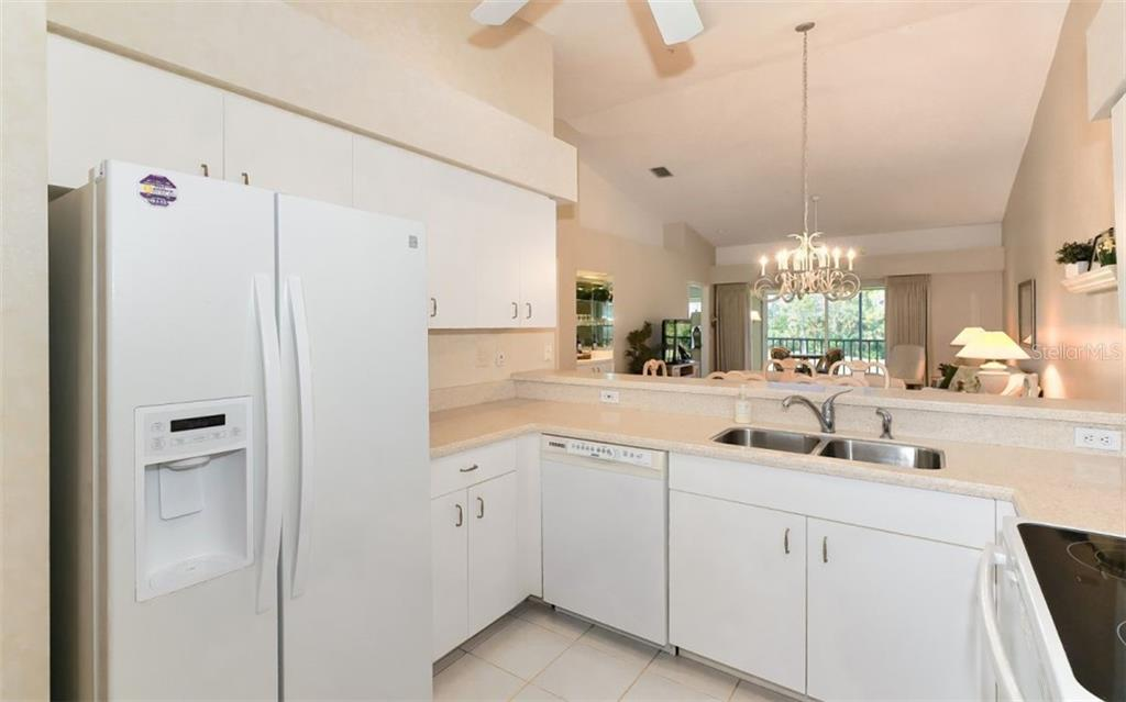 Guest bathroom - Condo for sale at 9631 Castle Point Dr #1123, Sarasota, FL 34238 - MLS Number is A4457428