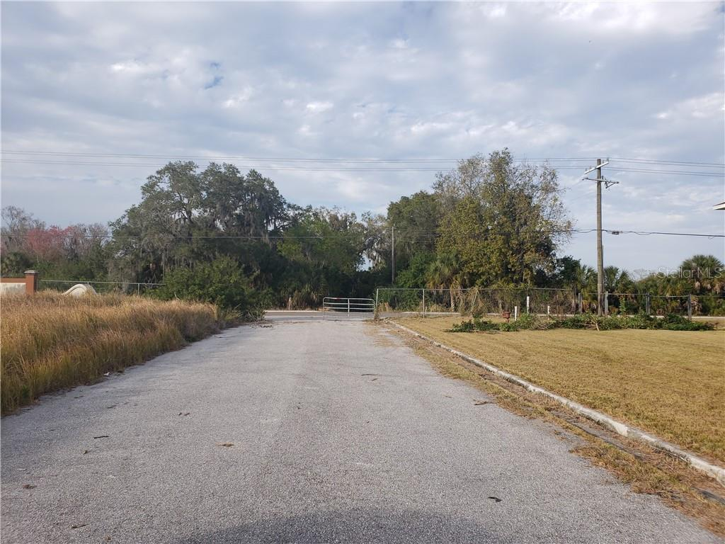 Leaving the property heading to 28th Street CT E - Vacant Land for sale at 2835 22nd Avenue Cir E, Palmetto, FL 34221 - MLS Number is A4457981
