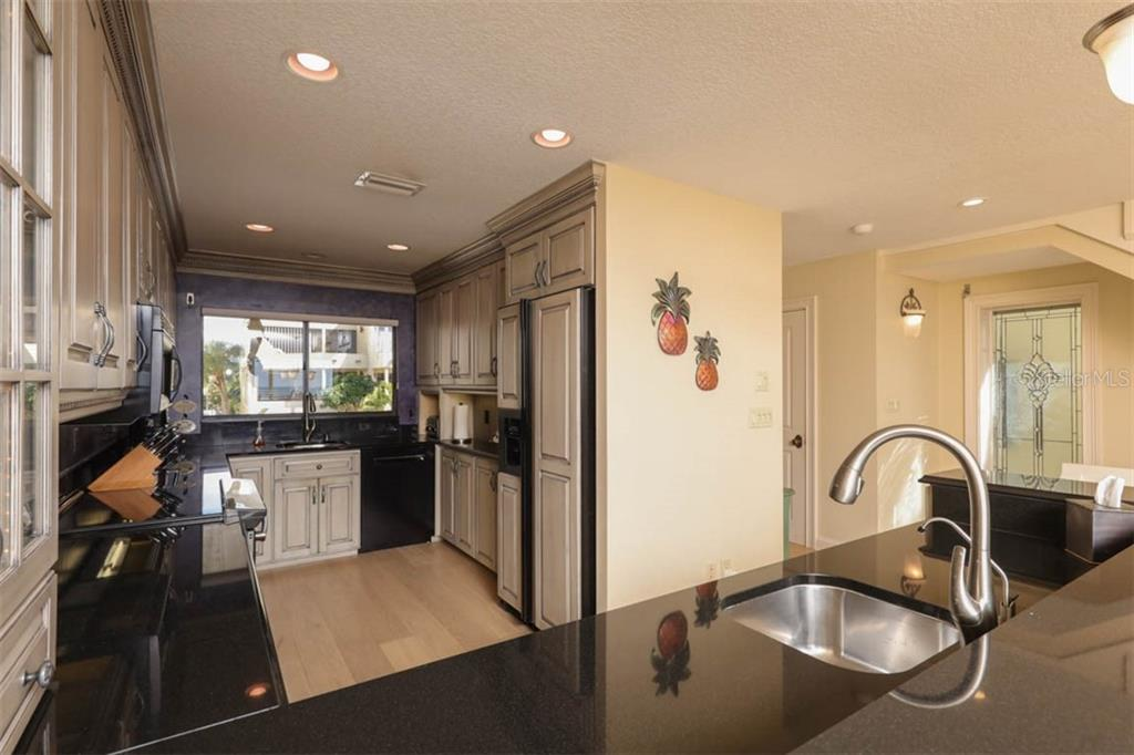 Condo for sale at 544 Beach Rd #B532, Sarasota, FL 34242 - MLS Number is A4458394