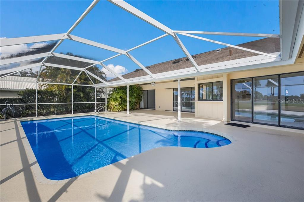 Single Family Home for sale at 3954 Spyglass Hill Rd, Sarasota, FL 34238 - MLS Number is A4459820