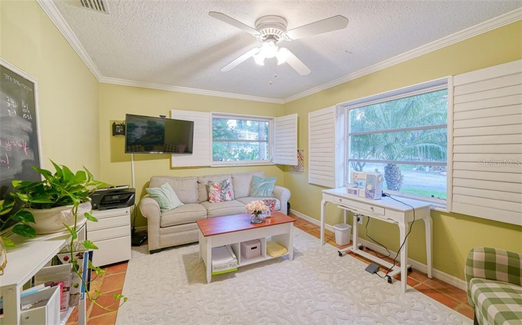 THE DEN/OFFICE IS GREAT FOR EXTRA COMPANY WITH THE SLEEPER SOFA - Single Family Home for sale at 3 Winslow Pl, Longboat Key, FL 34228 - MLS Number is A4464990