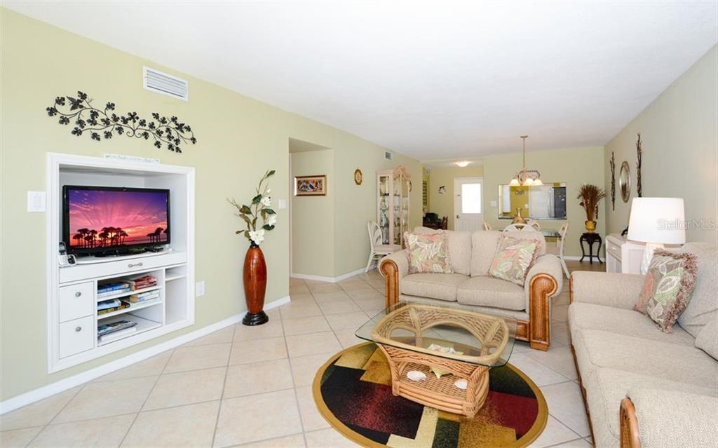 Living room - Condo for sale at 1770 Benjamin Franklin Dr #706, Sarasota, FL 34236 - MLS Number is A4469463