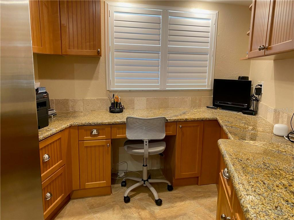 Catch up on your paperwork at this built in desk with two large file drawers. - Condo for sale at 5770 Midnight Pass Rd #509c, Sarasota, FL 34242 - MLS Number is A4472645