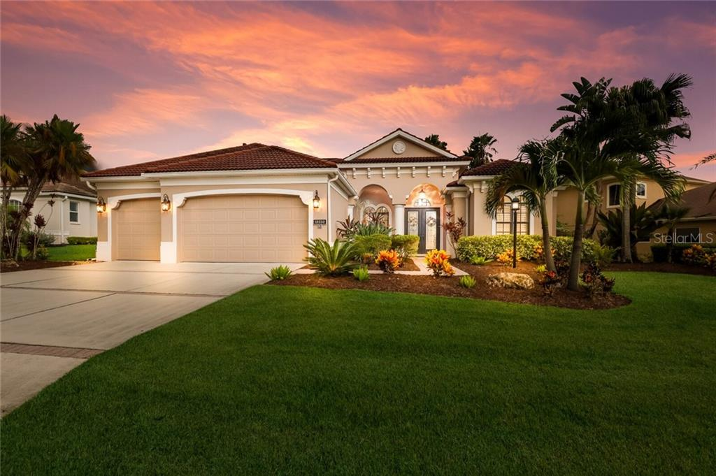 Single Family Home for sale at 13220 Brown Thrasher Pike, Lakewood Ranch, FL 34202 - MLS Number is A4474004