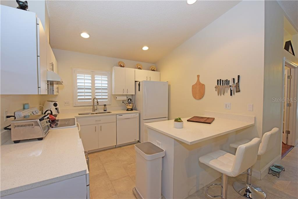 New Moen Faucet in Kitchen. - Single Family Home for sale at 3921 Warren St, Sarasota, FL 34233 - MLS Number is A4474011