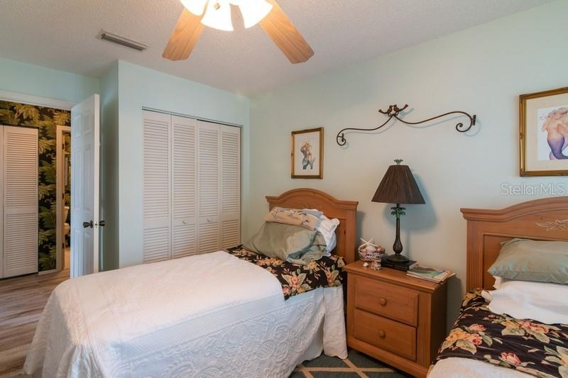 Guest bedroom. - Condo for sale at 977 Sandpiper Cir #977, Bradenton, FL 34209 - MLS Number is A4474554