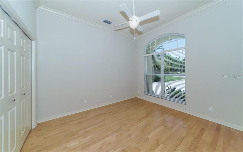 3rd bedroom - Single Family Home for sale at 462 E Macewen Dr, Osprey, FL 34229 - MLS Number is A4476181