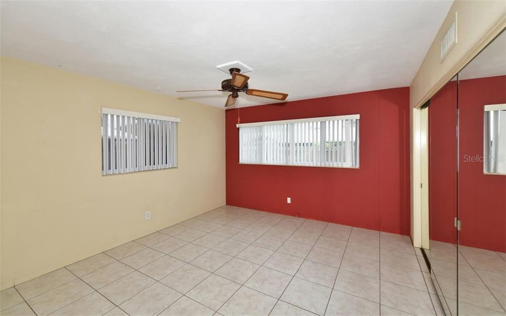 Single Family Home for sale at 2524 Goldenrod St, Sarasota, FL 34239 - MLS Number is A4476426