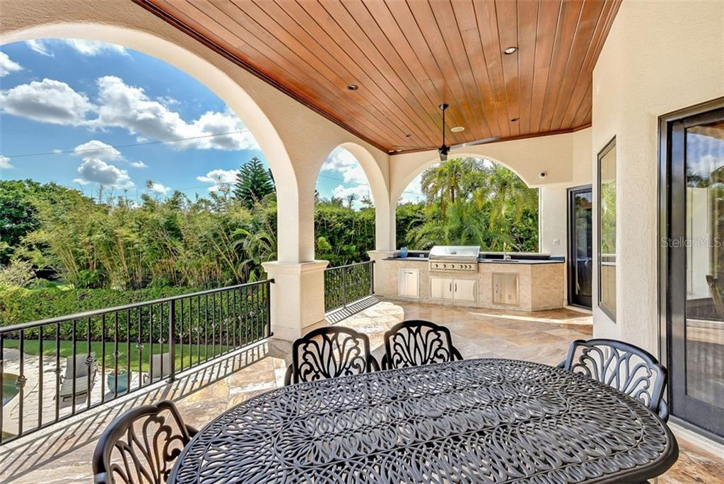 Single Family Home for sale at 1373 Harbor Dr, Sarasota, FL 34239 - MLS Number is A4477187