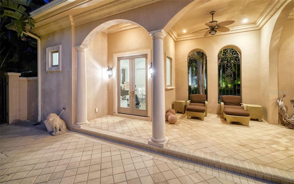 Single Family Home for sale at 35 Lighthouse Point Dr, Longboat Key, FL 34228 - MLS Number is A4477572