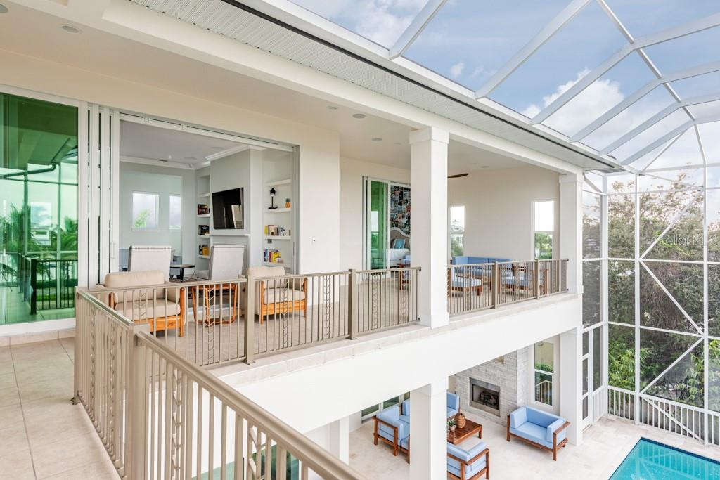 2nd Level Wrap Around Balcony - Single Family Home for sale at 121 Seagull Ln, Sarasota, FL 34236 - MLS Number is A4483951