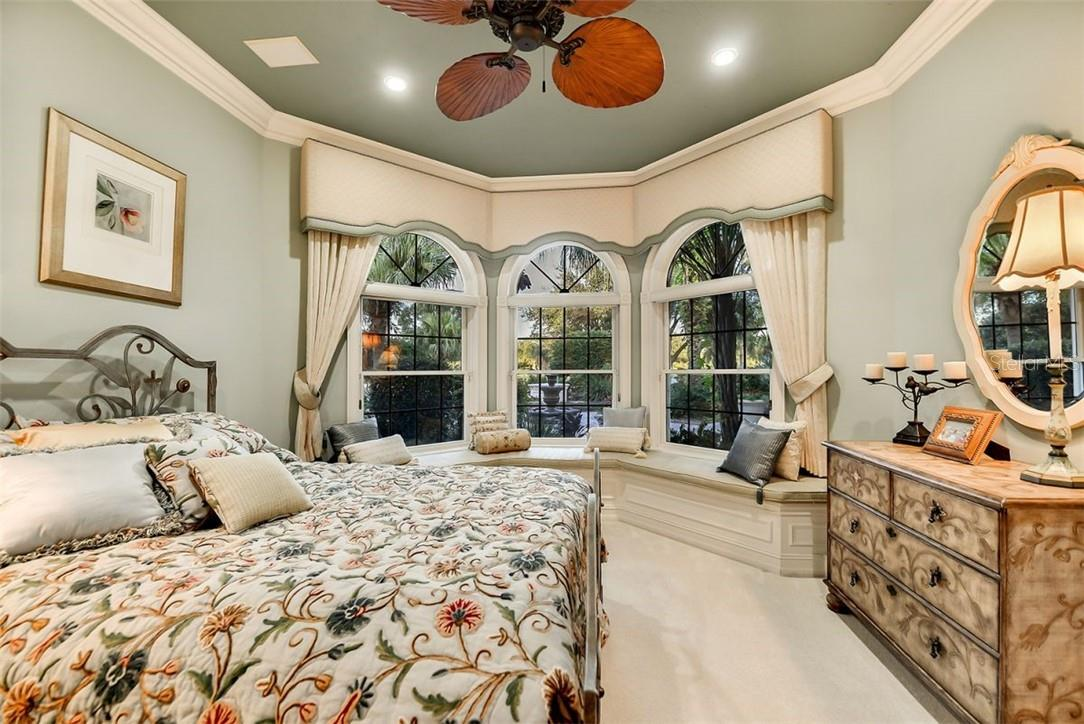 GUEST SUITE 3- CUSTOM WINDOW SEAT, CUSTOM BEDSPREAD W/ MATCHING PILLOWS ETC. - Single Family Home for sale at 8263 Archers Ct, Sarasota, FL 34240 - MLS Number is A4483993