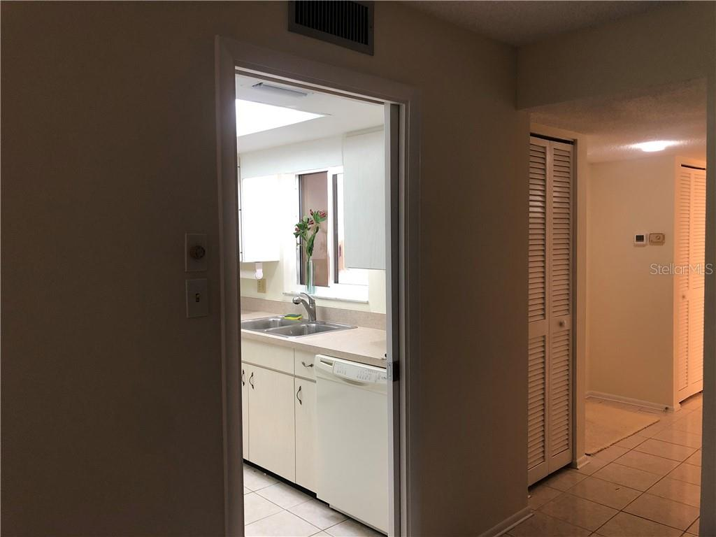 Condo for sale at 2405 Clubhouse Cir #103, Sarasota, FL 34232 - MLS Number is A4485098