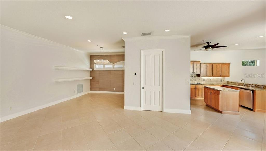 Villa for sale at 1907 Harbour Links Cir #4, Longboat Key, FL 34228 - MLS Number is A4485152