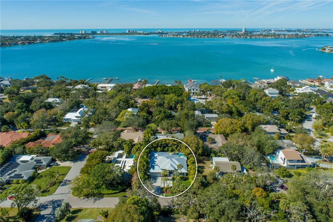 Single Family Home for sale at 2524 Pleasant Pl, Sarasota, FL 34239 - MLS Number is A4490046