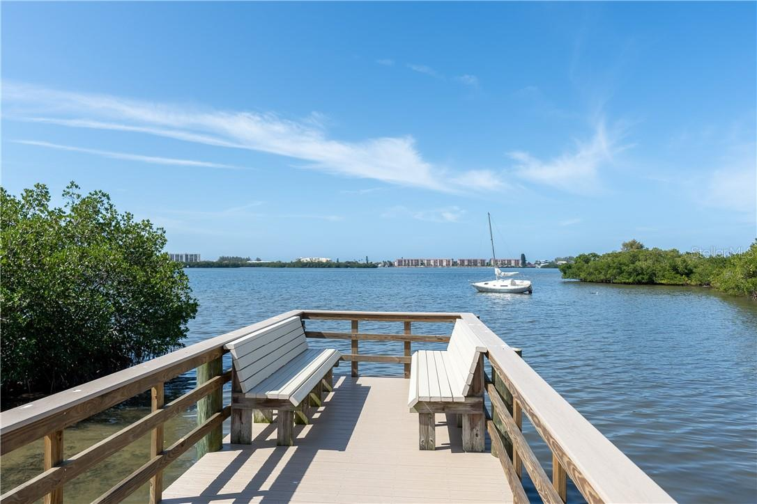 Stunning community sitting area overlooking Sarasota Bay - Vacant Land for sale at 11 Fishermens Bay Dr, Sarasota, FL 34231 - MLS Number is A4493227