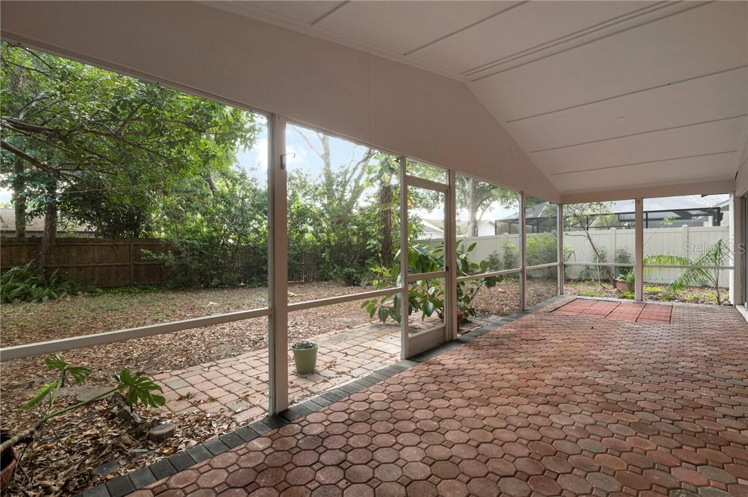 Single Family Home for sale at 5145 Ashton Pines Ln, Sarasota, FL 34231 - MLS Number is A4498169