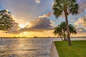 1502 Sandpiper Ln, Sarasota, FL 34239 - thumbnail 10 of 15