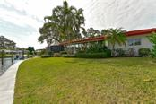 Single Family Home for sale at 1046 Contento St, Sarasota, FL 34242 - MLS Number is A4176964