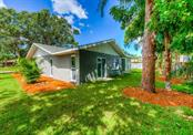 Single Family Home for sale at 305 55th St Nw, Bradenton, FL 34209 - MLS Number is A4414519