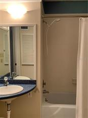 2nd Bathroom in Hall - Villa for sale at 1528 Stafford Ln #1210, Sarasota, FL 34232 - MLS Number is A4421860