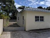 Single Family Home for sale at 3225 S Osprey Ave, Sarasota, FL 34239 - MLS Number is A4430790