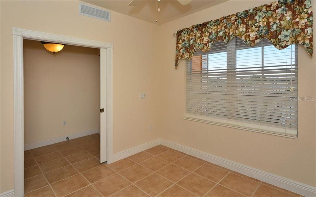 Den - Condo for sale at 167 Tampa Ave E #513, Venice, FL 34285 - MLS Number is N5911190