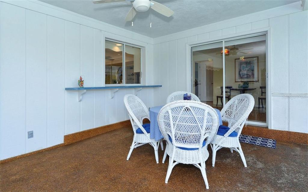 Lanai - Single Family Home for sale at 1933 Innisbrook Ct, Venice, FL 34293 - MLS Number is N5912040