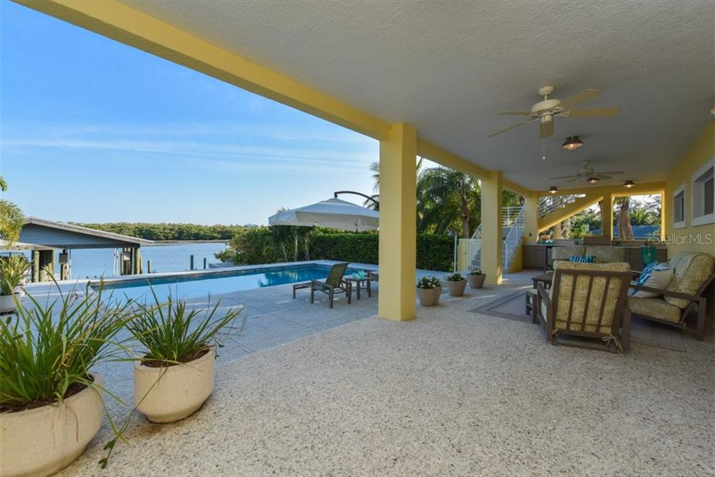 Covered Lanai - Single Family Home for sale at 525 Bayview Pkwy, Nokomis, FL 34275 - MLS Number is N5912985