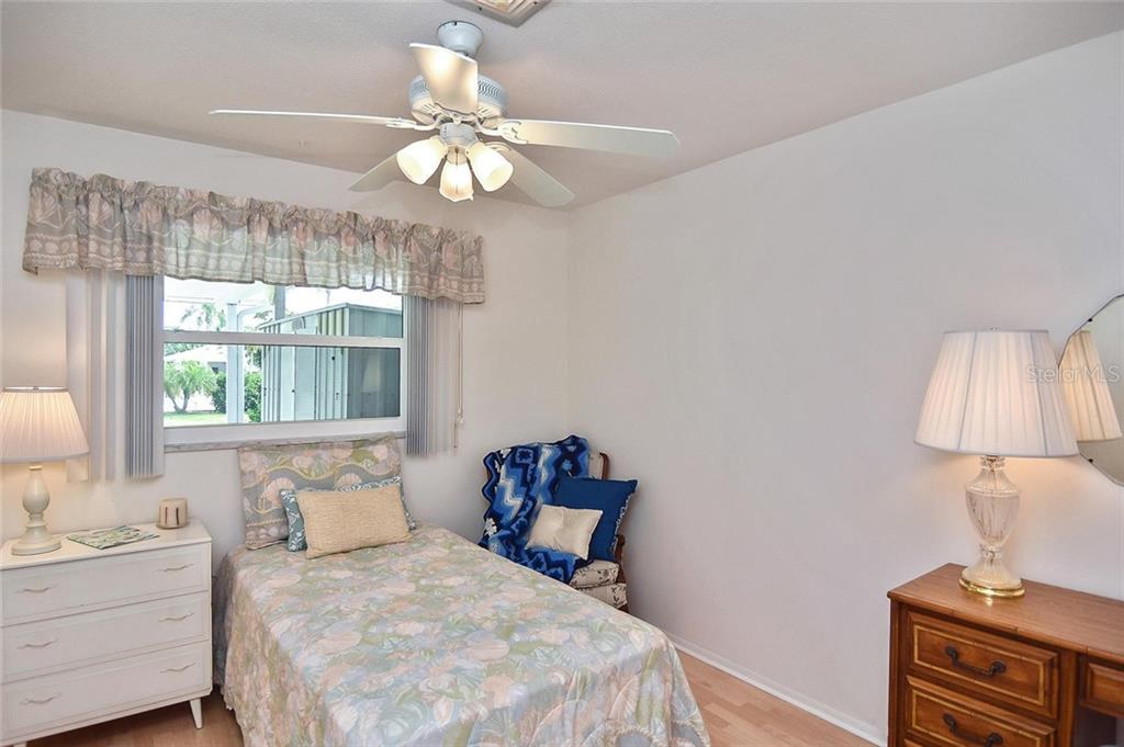 Community pool - Condo for sale at 139 Field Ave E #139, Venice, FL 34285 - MLS Number is N5915558