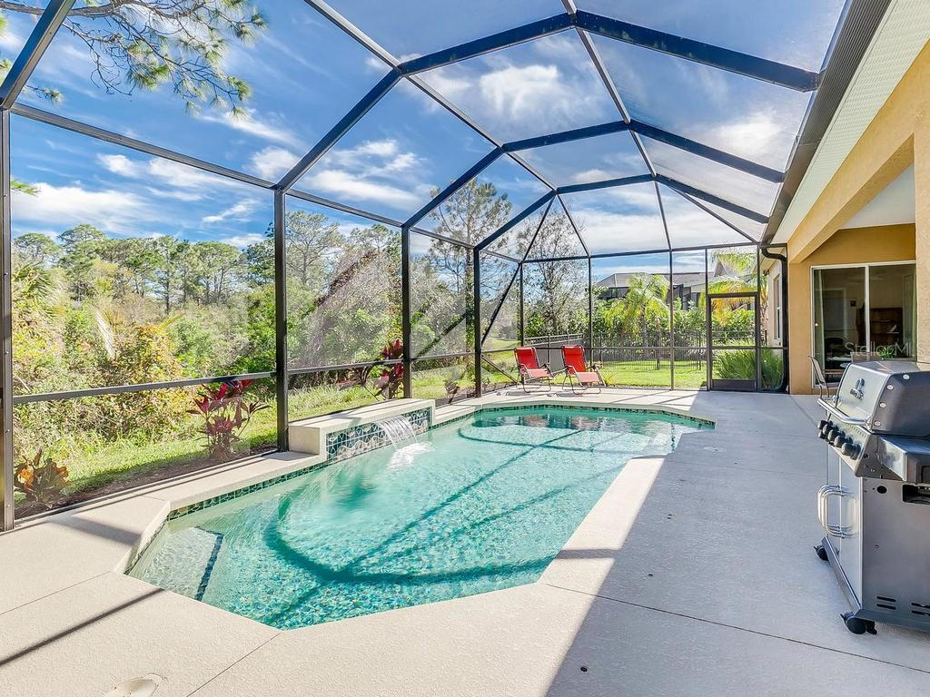 Single Family Home for sale at 19664 Cobblestone Cir, Venice, FL 34292 - MLS Number is N5916070